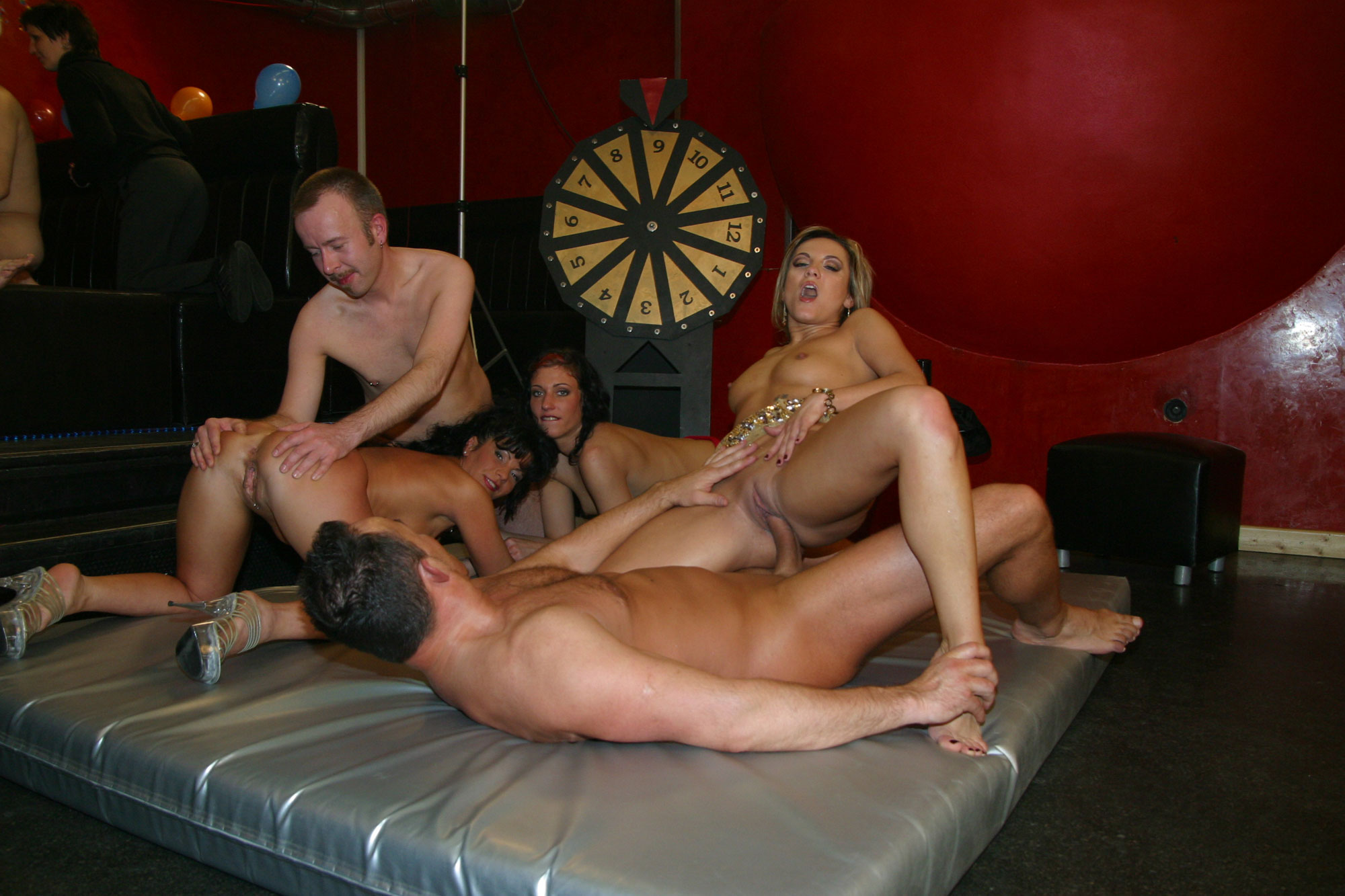 massage secret service nackig spiele
