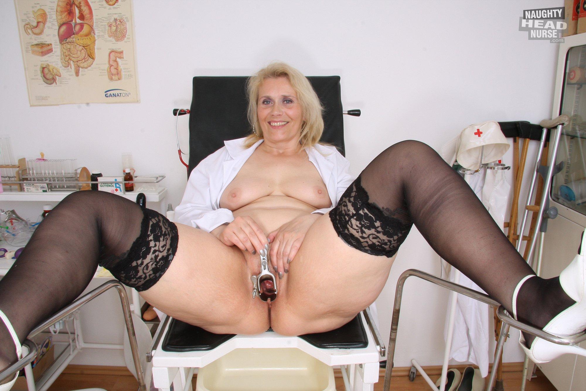 Развратная старая медсестра 10 фотография