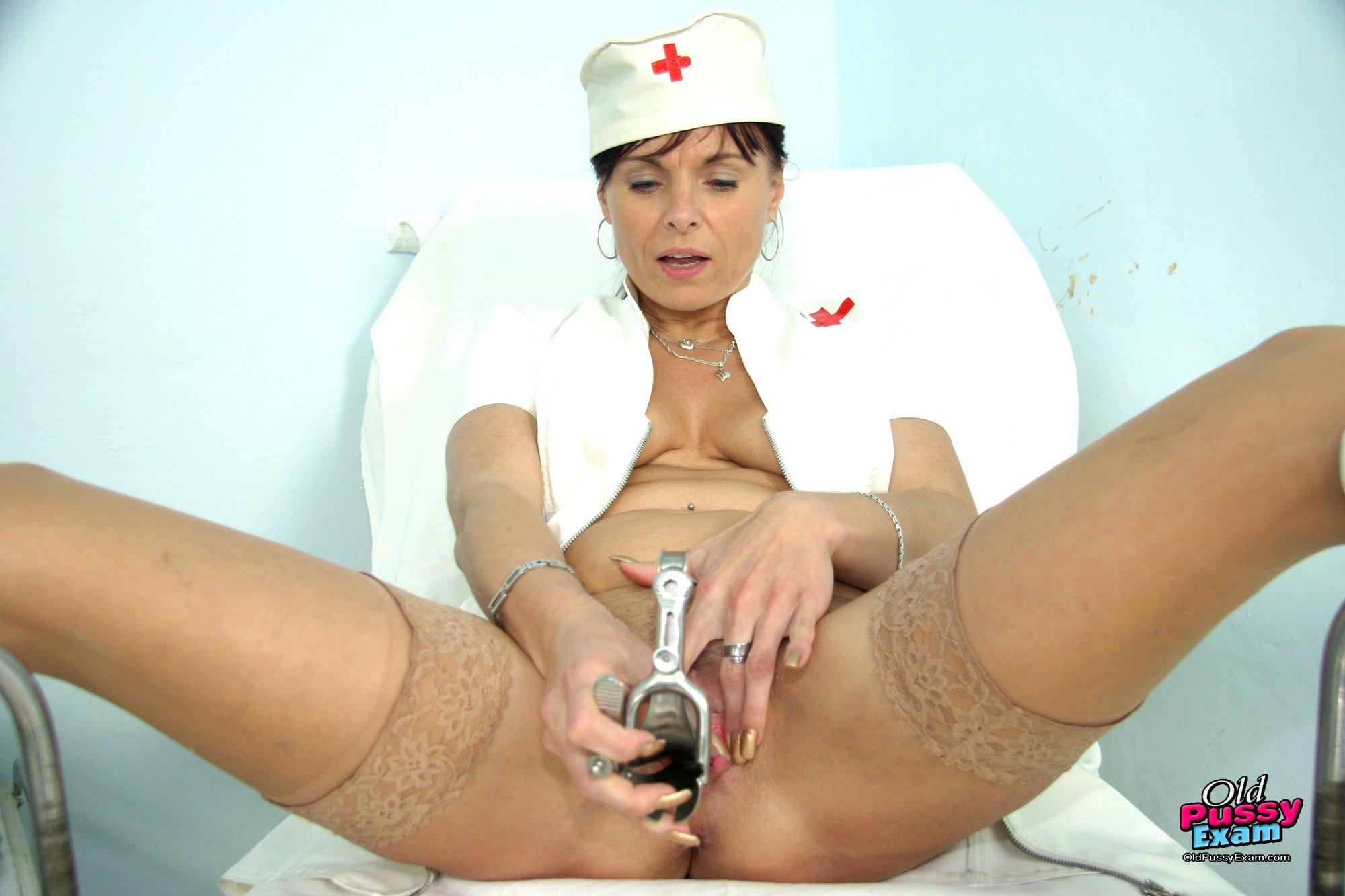 Секс в кабинете гинеколога порно